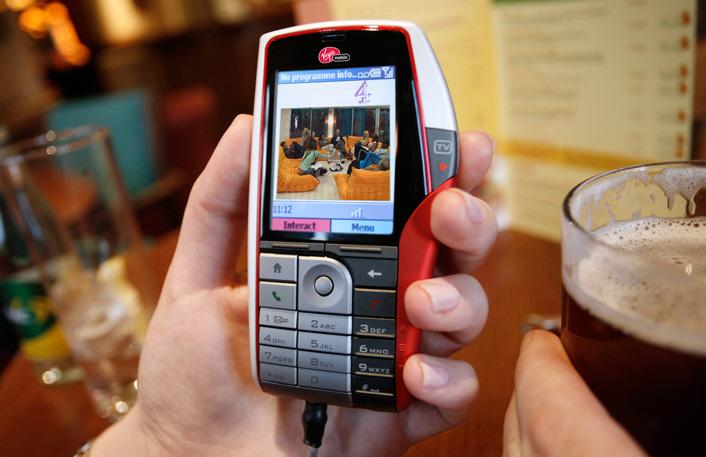 Virgin Mobile Lobster 700TV phone - designed by Hyphen